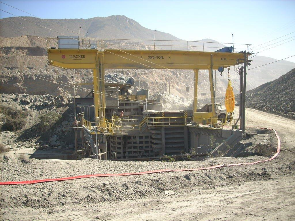 <br>Goliath crane with cantilevers on both sides with 5t and 30t hoist lifting capacity for Luagher in Chile